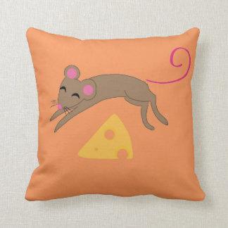 Playful mouse cushion