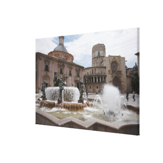 Plaza De La Virgin And Basilica De Virgen Canvas Print
