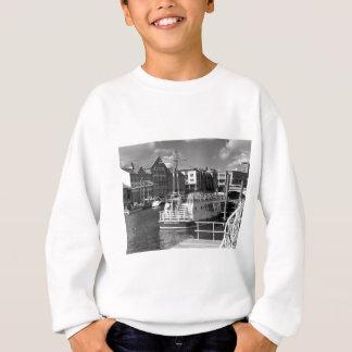 Pleasure boats on the York river Ouse. Sweatshirt