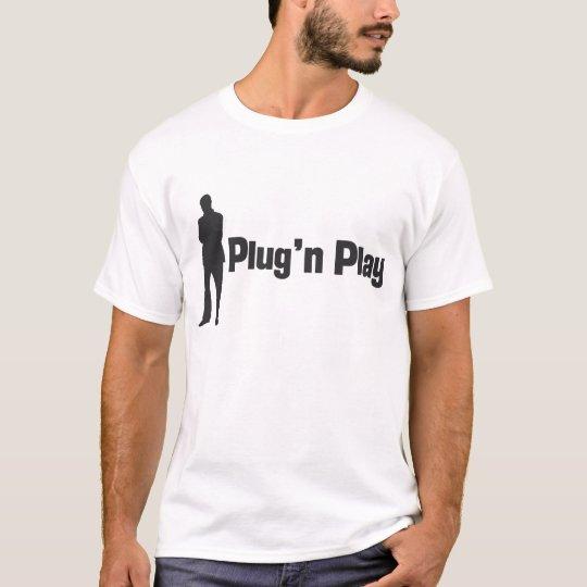 plug N play man T-Shirt