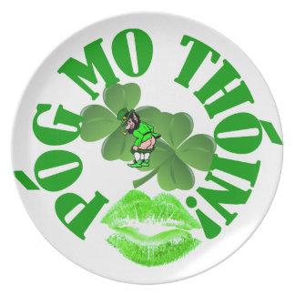 Pog mo thoin plates