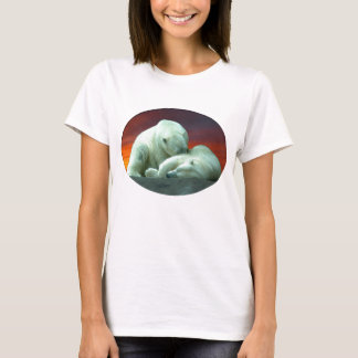 polar beauty (2) T-Shirt