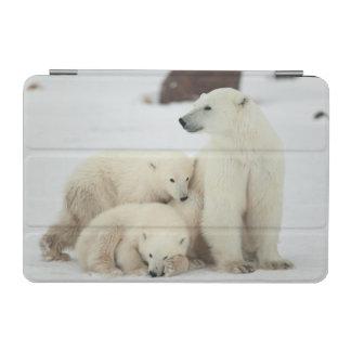 Polar She-bear With Cubs iPad Mini Cover