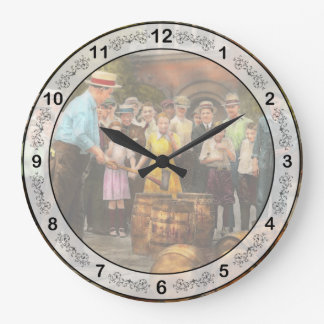 Police - Prohibition - A smashing good time 1921 Wallclock