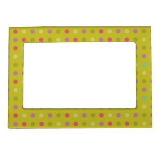 Polka-dot background pattern magnetic photo frame