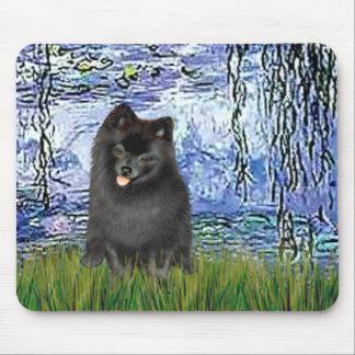 Pomeranian (black) - Lilies 6 Mouse Mat