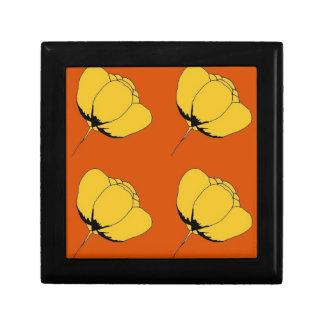 Pop art buttercup small square gift box