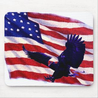 Pop Art US American Flag & Landing Eagle Mousepad