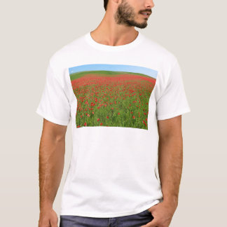 Poppies alive! T-Shirt