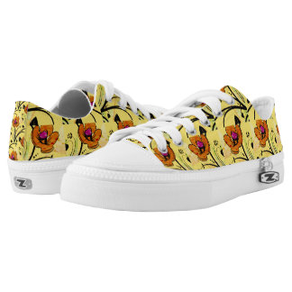 Poppy flowers on-yellow background Low Tops Shoes