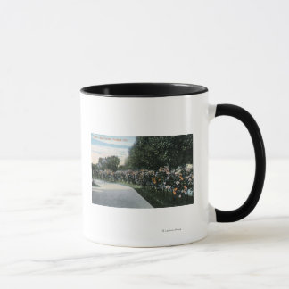 Portland, OregonView of a Rose Garden Mug