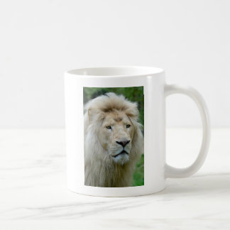 Portrait of white lion mugs