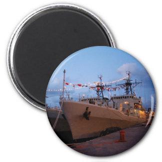 Portuguese frigates at twilight 6 cm round magnet