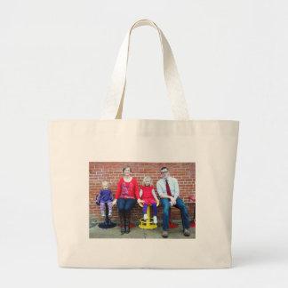 Pose 4 tote bags