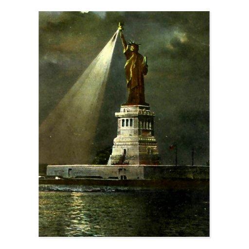 Postcard - Statue of Liberty Postcards