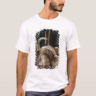 Pottery vessel of a frog climbing a cocoa tree T-Shirt