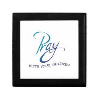 PRAY WITH YOUR CHILDREN KEEPSAKE BOX