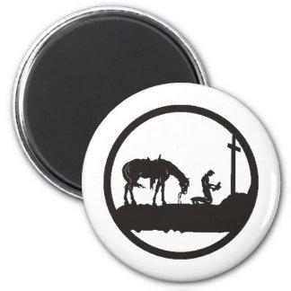 praying cowboy 6 cm round magnet