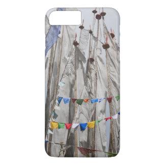 Praying flag poles in mountain, Yotongla Pass 2 iPhone 8 Plus/7 Plus Case