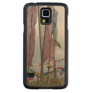 Praying flag poles in mountain, Yotongla Pass Carved Maple Galaxy S5 Case