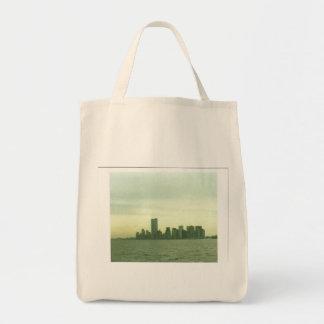 Pre 9/11/01 New York skyline grocery tote bag