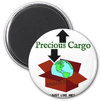 Precious Cargo 6 Cm Round Magnet