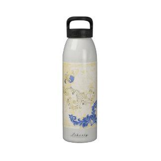 Pretty Little Blue Bird With Flowers Drinking Bottle
