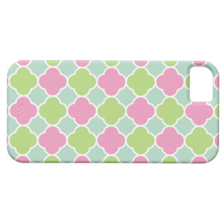 Pretty Pink and Green Quatrefoil Pattern iPhone 5 Covers