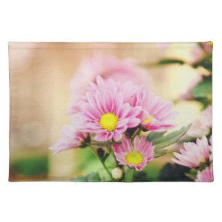 Pretty pink garden flowers place mats
