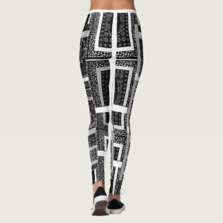 Pretty stunning black & white nice pattern design leggings