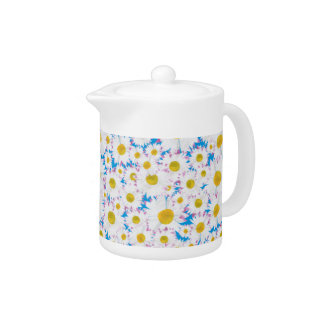 Pretty Teapot: Ditzy Daisies on Blue