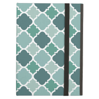 Pretty Vintage Quatrefoil Pattern in Muted Green iPad Air Cover