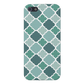 Pretty Vintage Quatrefoil Pattern in Muted Green Covers For iPhone 5