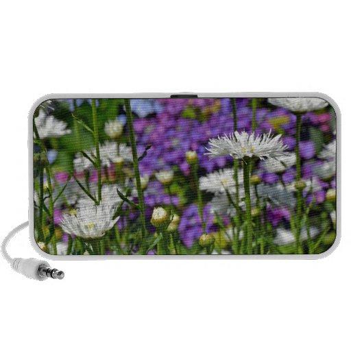 Pretty white daisy garden travel speaker