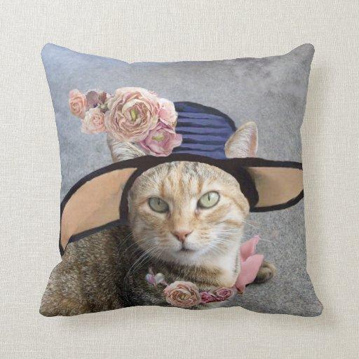 PRINCESS TATUS /ELEGANT CAT,BIG DIVA HAT AND ROSES THROW PILLOW
