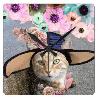 PRINCESS TATUS /ELEGANT CAT,BIG DIVA HAT AND ROSES WALLCLOCK