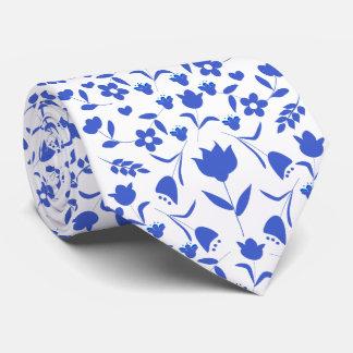 printing blue flowers tie