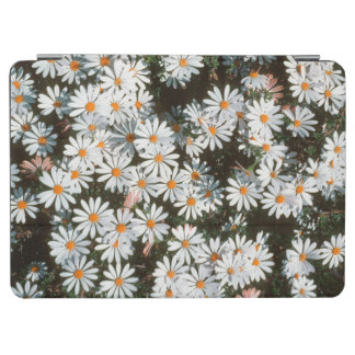 Profusion Of White Daises (Asteraceae) iPad Air Cover