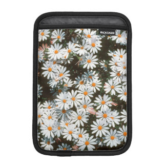 Profusion Of White Daises (Asteraceae) iPad Mini Sleeve
