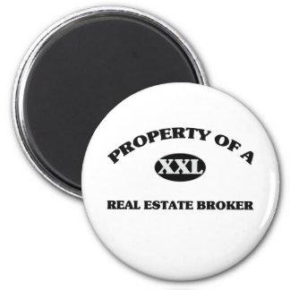 Property of a REAL ESTATE BROKER 6 Cm Round Magnet