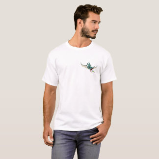 Pteranodon eating a dragonfly eating a ladybug T-Shirt
