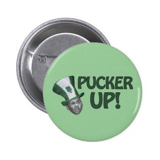Pucker Up 6 Cm Round Badge