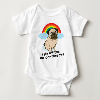Pug admits to pooping rainbows! T-shirt