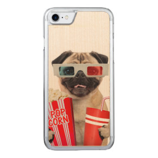 Pug watching a movie carved iPhone 8/7 case