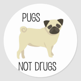 Pugs not drugs classic round sticker