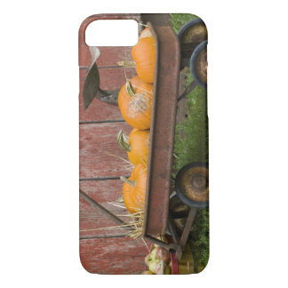 Pumpkins in old wagon iPhone 8/7 case