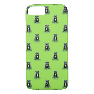 Puppy on green background iPhone 8/7 case