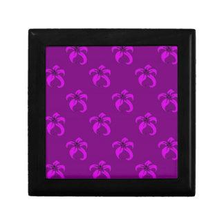 Purple bloom small square gift box