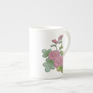 Purple chrysanthemum in bloom tea cup