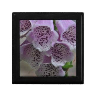 Purple flower magic small square gift box